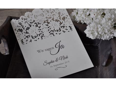 Einladungskarten Mit Spitze by Einladungskarte Zur Hochzeit Mit Lasercut Spitze Vintage