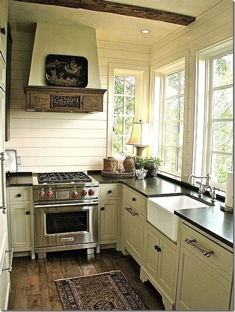 cottage kitchens ideas best 25 small cottage kitchen ideas on pinterest