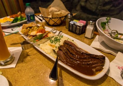 the garden grill chip n dale s harvest feast review at