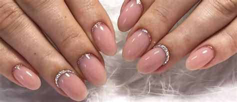 exquisite ideas  wedding nails  elegant brides