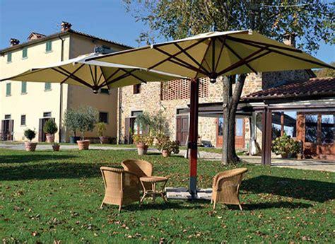 vendita ombrelloni da giardino vendita ombrelloni da esterno a brescia soluzioni per il
