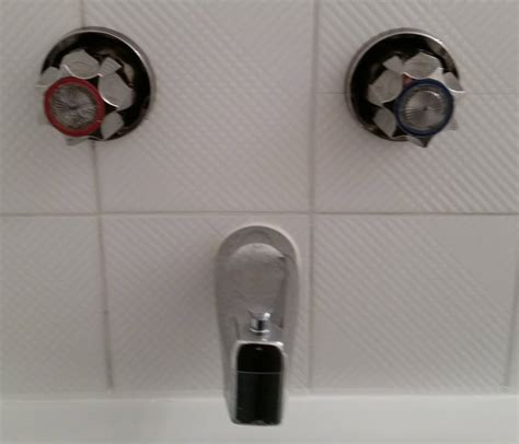 replace bathtub fixtures plumbing i am trying to identify the brand of this