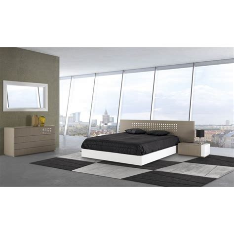 Large Bed Headboards by Teknica Lacquered Bed With Large Headboard And Bedside