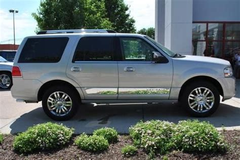 for sale 2007 passenger car lincoln navigator ultimate elite nav dvd moon thx chr clifton find used 2007 lincoln navigator ultimate in columbus nebraska united states for us 21 989 00
