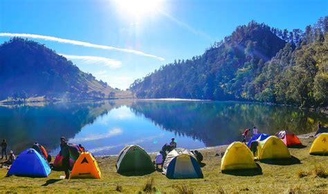 wallpaper anak gunung ranu kumbolo an exotic lake on gunung semeru lumajang