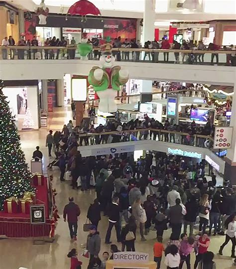 layout of fox valley mall aurora cops plan stepped up fox valley mall security