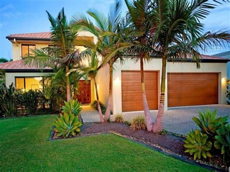 Front Garden Design Ideas Australia These Small Palm Trees Ideas For My Garden Pinterest Gardens Front Yards And Cubby