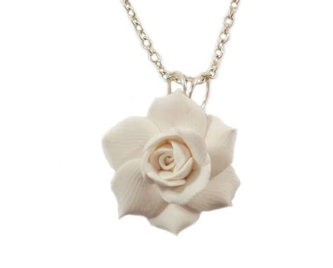 Gardenia Necklace White Gardenia Necklace White Gardenia Pendant