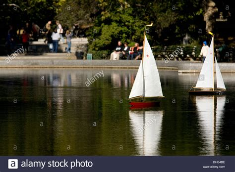 central park toy boat pond toy sailboat pond central park wow blog