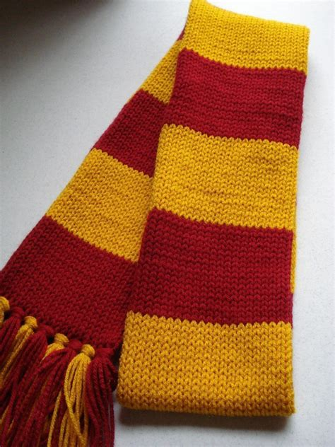 knitting pattern gryffindor scarf harry potter inspired maroon and gold scarf