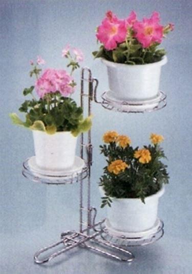 porta vasi portavasi complementi arredo giardino come scegliere i
