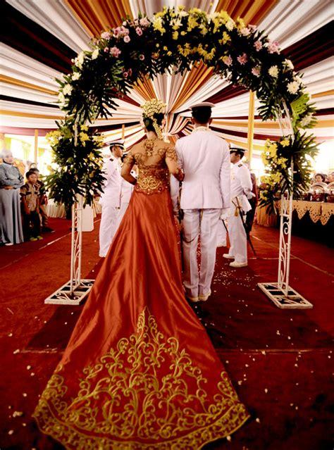 Pedang Angkatan Laut wedding unik upacara pernikahan perwira militer angkatan laut pedang pora uketsukeart