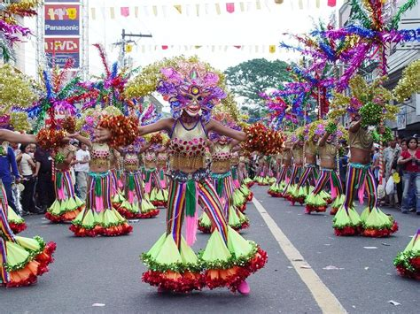 10 varieties of ladiess dance that are nice for fitness 축제아이가 사는 곳 필리핀 마스카라 축제 권두현