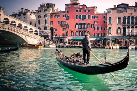 gondola boat driver italiano archives letsimage