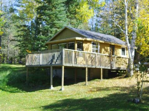northern lights resort ely mn cabins 2 3 4 and 5 shown from the lake picture of