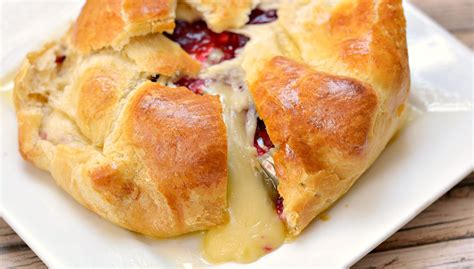 appetizers brie cranberry brie baked cheese appetizer growing up gabel