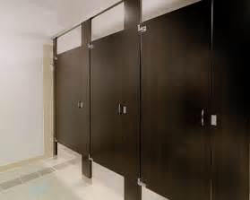 ironwood manufacturing plastic laminate restroom partition