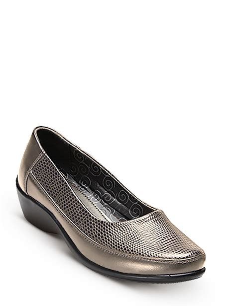 comfort plus shoes comfort plus slip on shoe chums