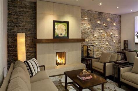 natursteinwand im wohnzimmer der nat 252 rliche charme - Beleuchtung Natursteinwand