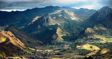 Search Ecuador Ecuador Andes The Volcano Avenue Quito Adventure Find