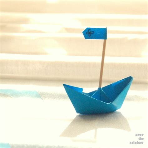 Boat With Paper - 20 whimsical pictures of paper boats