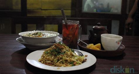 Teh Jawa Cafe bakmi doring salah satu legenda bakmi jawa di jogja jogja