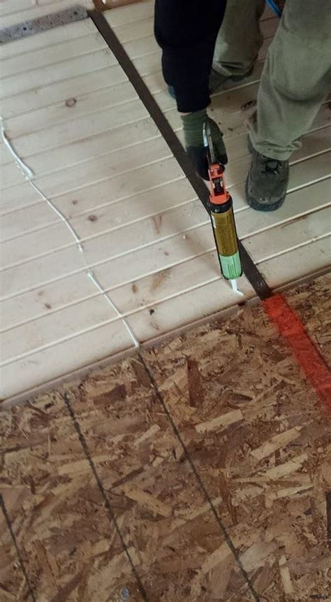 installing electrical wiring in a log home