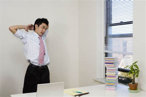 no sweat burn calories at your desk daily