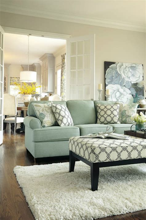 fall decorating ideas living room use green