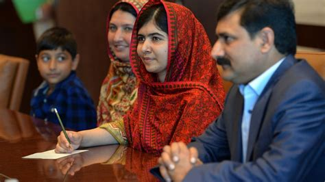 tor daughter mother of malala yousafzai learns to read and write the