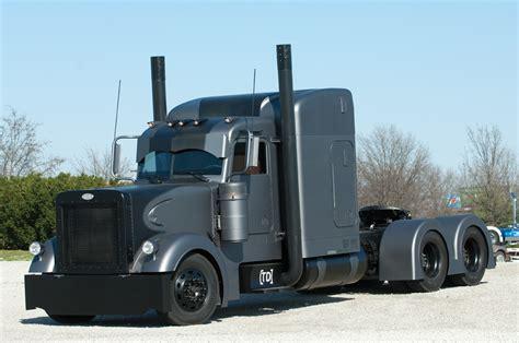 peterbilt  custom rig vigilante nexttruck blog industry news trucker information