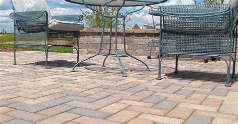 Unilock Hollandstone Hollandstone Pavers Pavers Retaining Walls