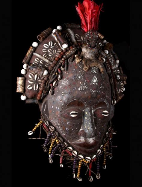 Masker Zulu zulu antique mask with feathers for sale
