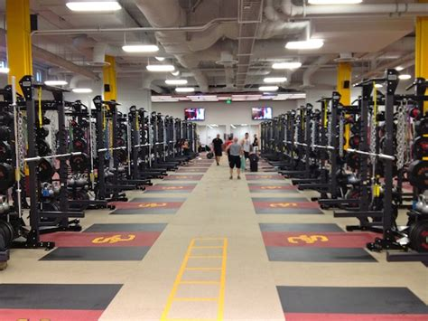 weight room workouts for football players top division 1 college football weights rooms 5 1 college athletes in