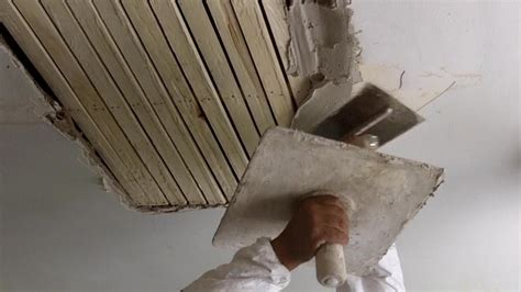 plastering walls tutorial how to do traditional plastering on a wooden lath ceiling