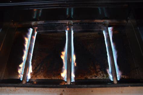 Gasherd Flamme Einstellen by Napoleon Le485 Rsib Grillforum Und Bbq Www