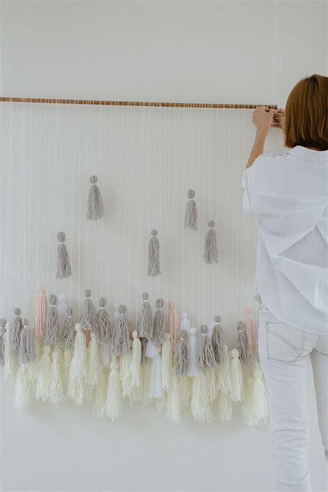 Yarn Wedding Backdrop by Diy Yarn Tassel Wedding Backdrop Backdrops Tassels And