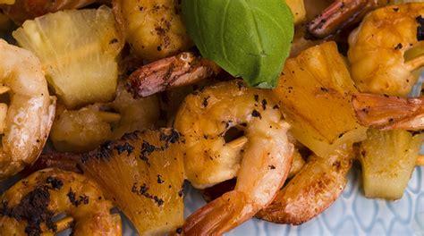 come cucinare le mazzancolle precotte ricetta spiedini di gamberi e ananas giornale cibo