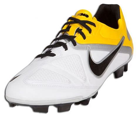 nike football shoes ctr360 nike ctr360 ii white black tour yellow