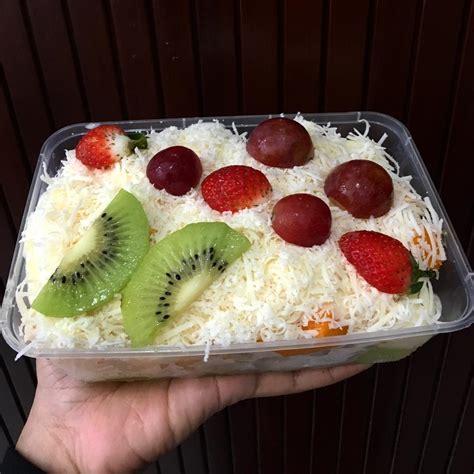 membuat salad buah  dijual enak  praktis