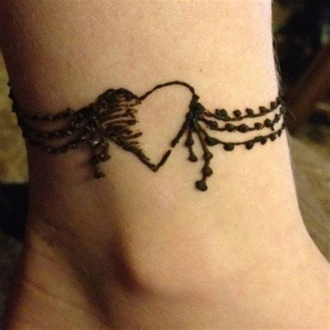 heart shaped mehndi designs 20 simple henna heart designs