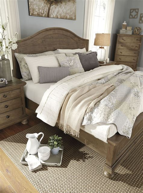 Trishley Bedroom Set by Trishley Light Brown Panel Bedroom Set B659 57 54 96