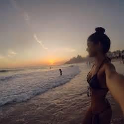 chica en la playa 1024x768 arte imgenes para fondos de pantalla las 25 mejores ideas sobre estilo chica surfista en