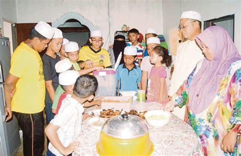 membuat nangis anak yatim rahmat ramadan harian metro