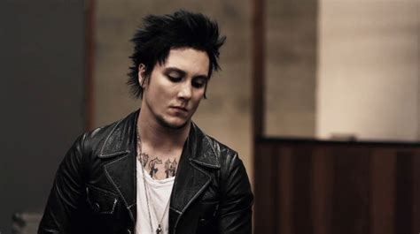 10  Best HD Synyster Gates Wallpapers