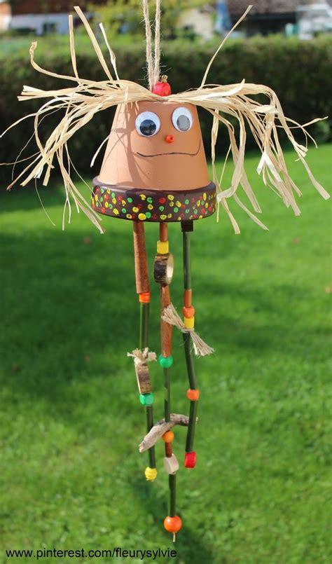 bricolage d automne avec les enfants un pot en terre