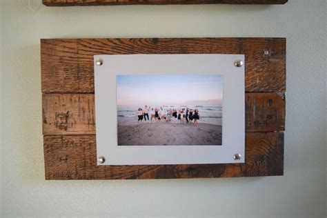 Simple Handmade Photo Frames - easy to make picture frame and wall display bringing