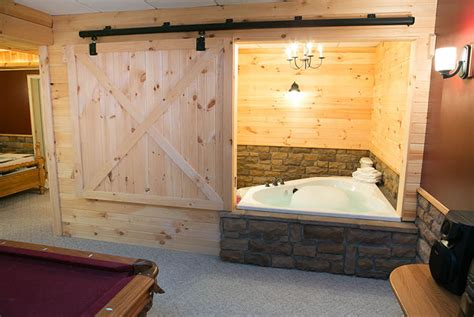 Ohio Cabin Bed by Amish Country Cabins Stunning Cabin Sleeps Up To 8 In