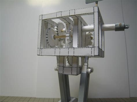 Mechanical Papercraft - this mechanical robot is made completely from paper and a