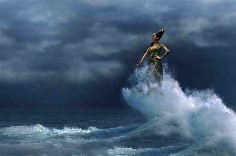 film misteri pusaka laut selatan inilah 5 misteri lautan paling angker dan berbahaya di